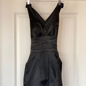 Dresses & Skirts - Black fitted backless dress